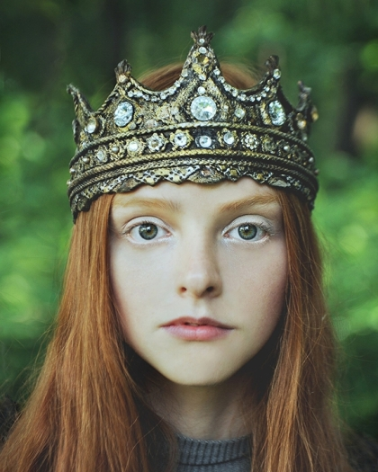 girl with crown